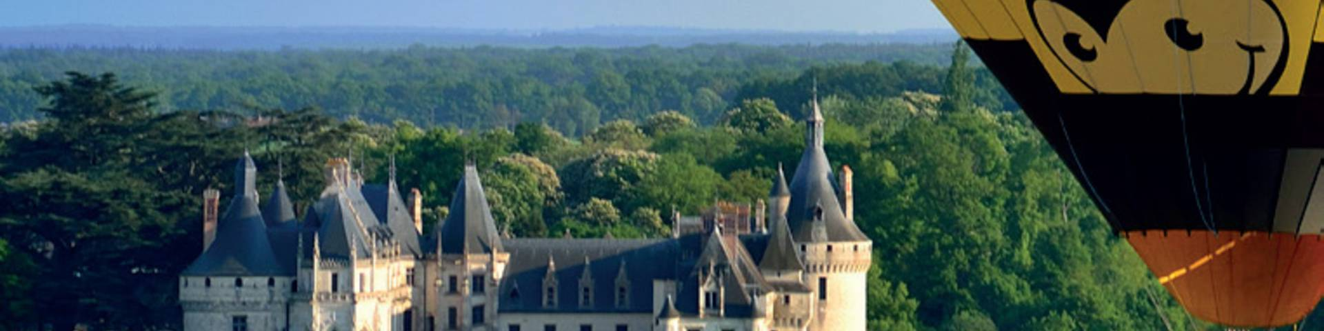 Hot air balloon flight over the castles and the Loire
