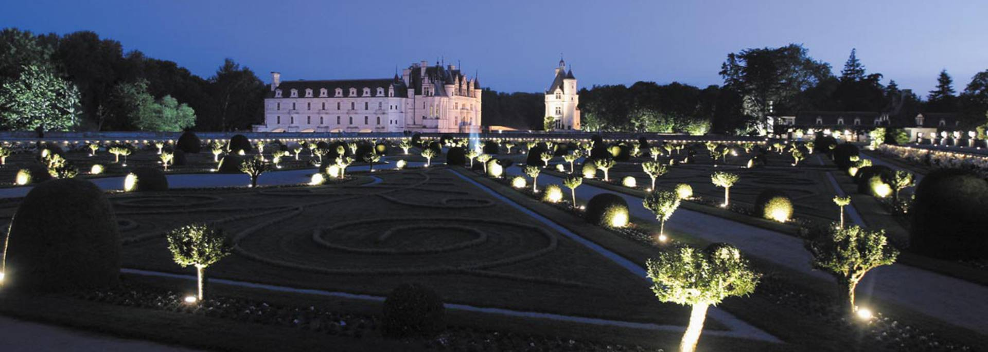 The Château de Chenonceau at night © Images de Marc