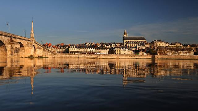 The bridge Jacques Gabriel in Blois © L. de Serres