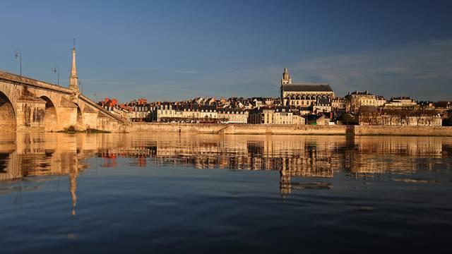 The bridge Jacques Gabriel in Blois © L. de Serres