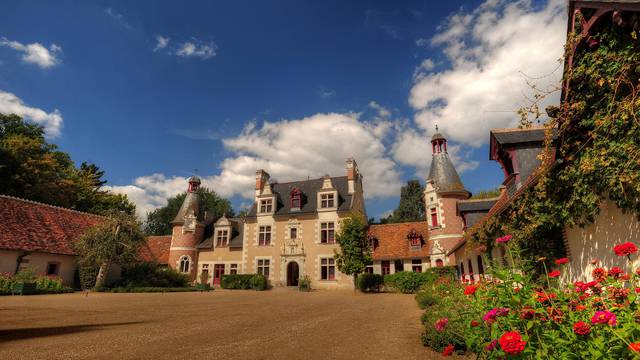 The chateau of Troussay © L. de Serres