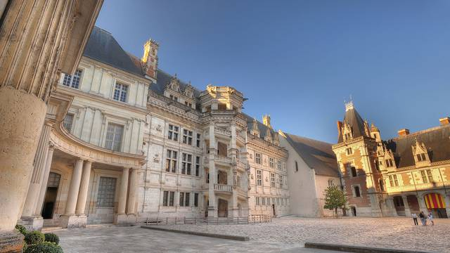 The Royal Chateau of Blois © L. de Serres
