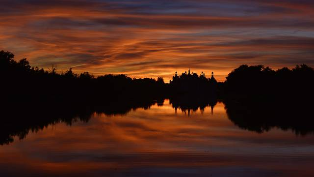 Chambord at sunset © L. de Serres