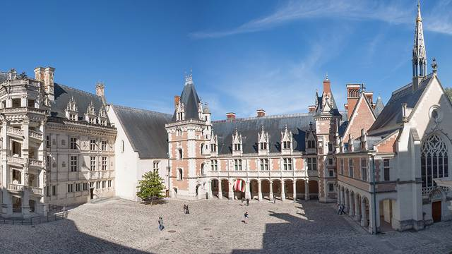 The Royal Chateau of Blois © T Bourgouin