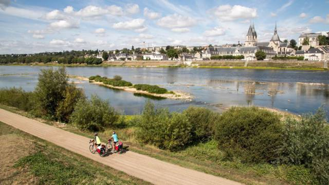 "The ""Loire à vélo"" route in Blois"