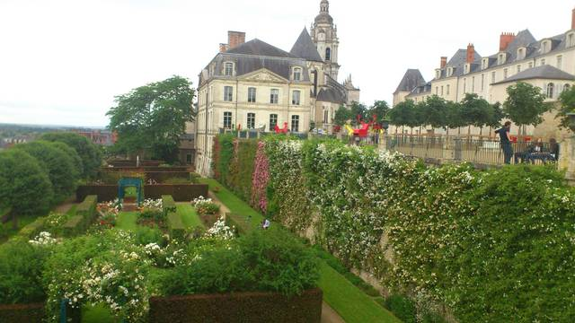 The garden of the Evêché in Blois. © OTBC