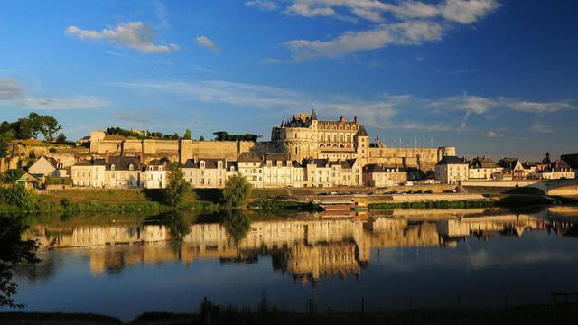 The royal Château d'Amboise. © L. de Serres