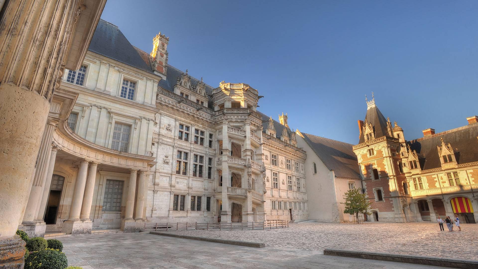 Château de Blois, François I staircase