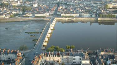 The Jacques Gabriel Bridge and the city of Blois seen from the sky. © OTBC