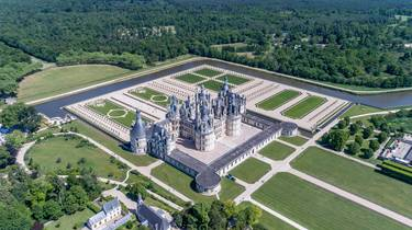 Aerial view of the gardens of Chambord Castle. © Drone Contrast