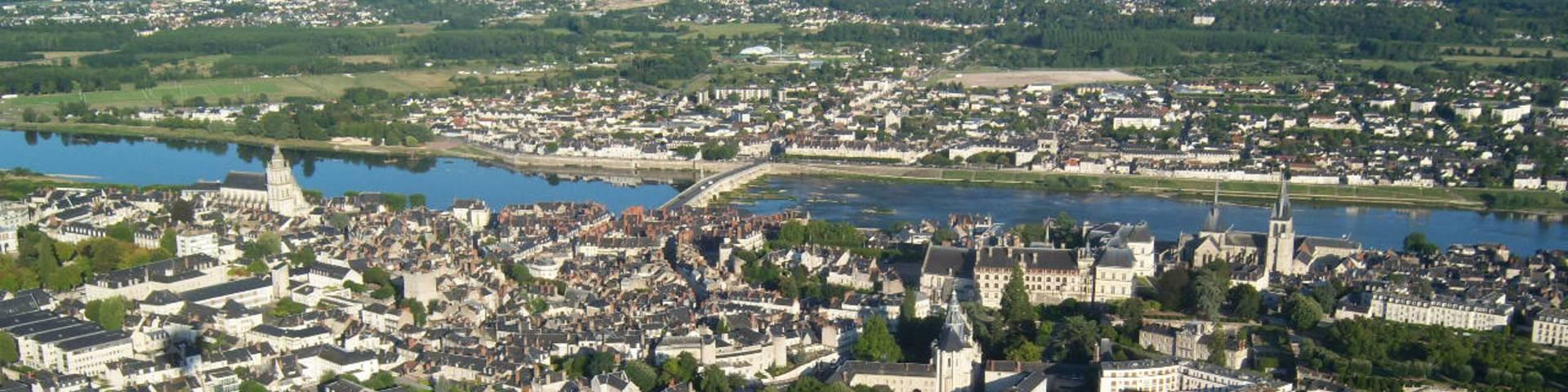 Balloon flight over Blois
