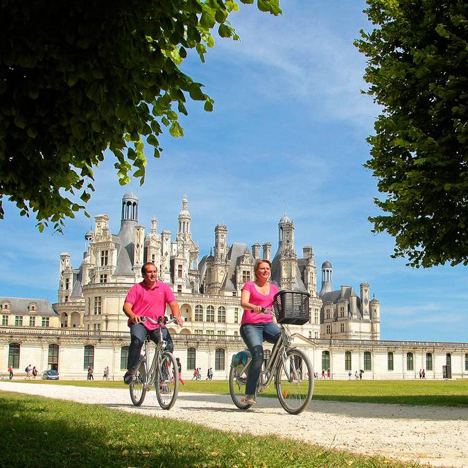 Visit Chambord by bike