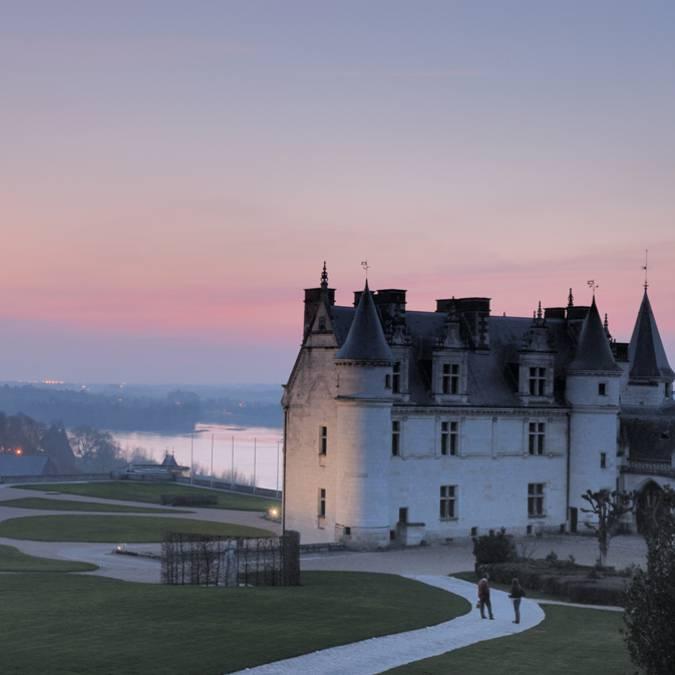 Château d'Amboise at dusk