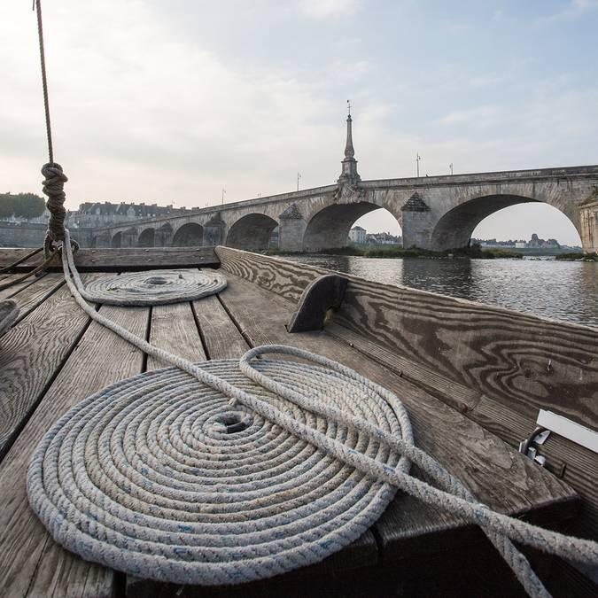 Boat by Jacques Gabriel bridge in Blois
