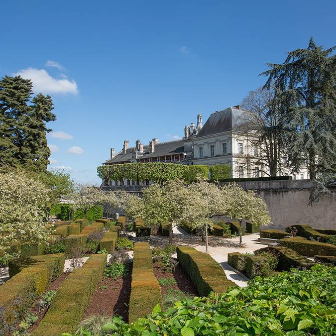 The gardens of the Roy. © Thierry Bourgoin